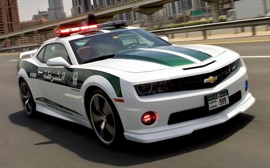 Dubai Polisinin Süper Lüks Arabaları galerisi resim 1