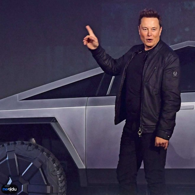 Elon Musk Eğitim Hayatı