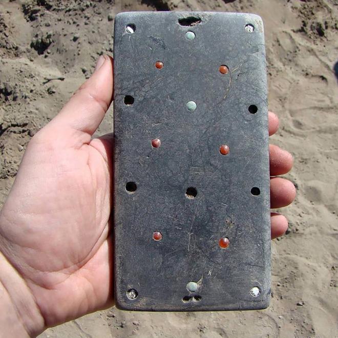 2100 Yıllık Öncesine Ait iPhone Benzeri Nesne