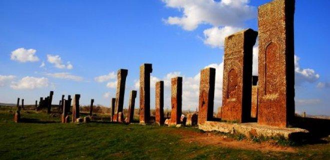 ahlat mezarlıkları