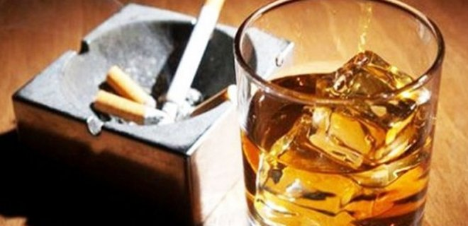 alcohol-and-cigarette-006.jpg