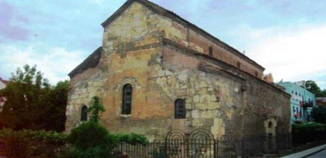 anchiskhati-basilica-kilisesi.jpg