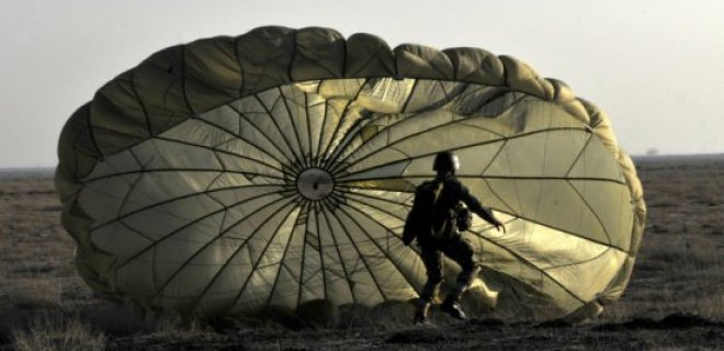 askeri-parasut-001.jpg