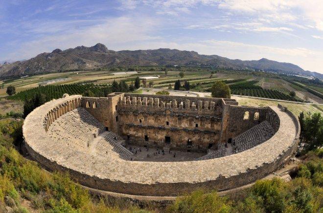 Aspendos Antik Kenti Tarihi : Aspendos tiyatrosu Özellikleri tarihi ve hikayesi