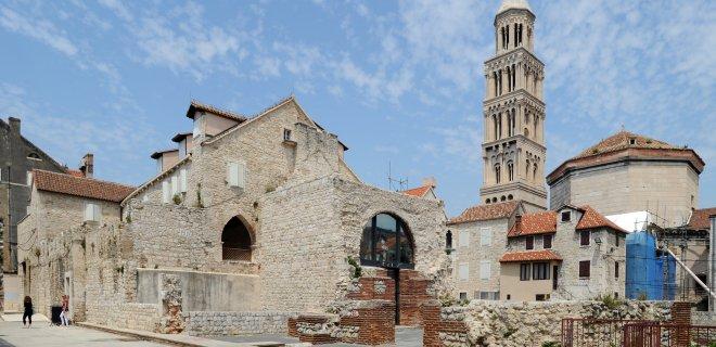 aziz-domnius-katedrali.jpg