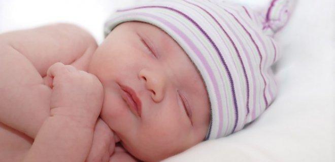 bebeklerde-ilk-ay-uyku-duzeni.jpg