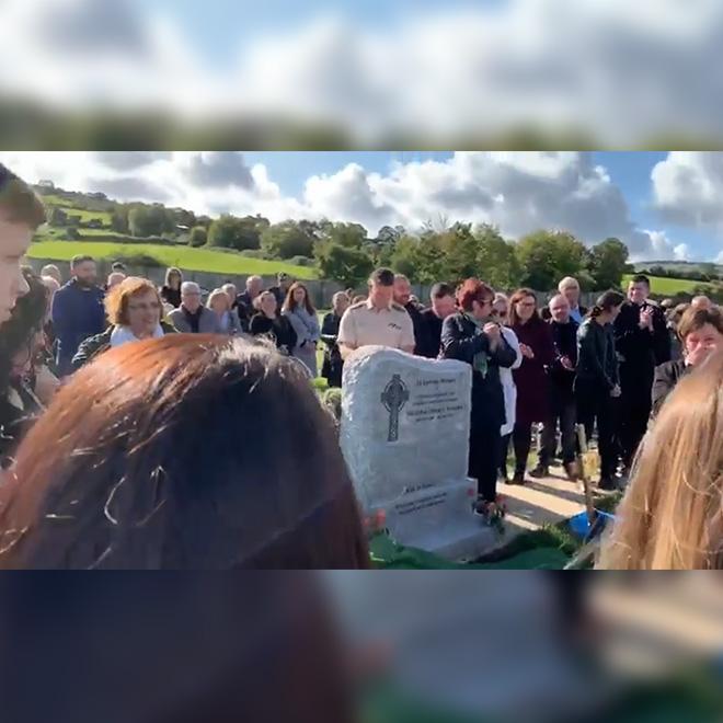 Cenaze Törenine Katılanları Güldürdü