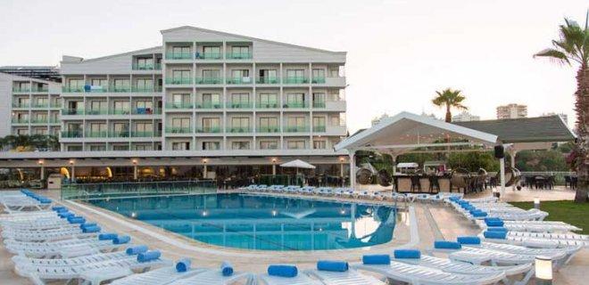 club-hotel-falcon.jpg