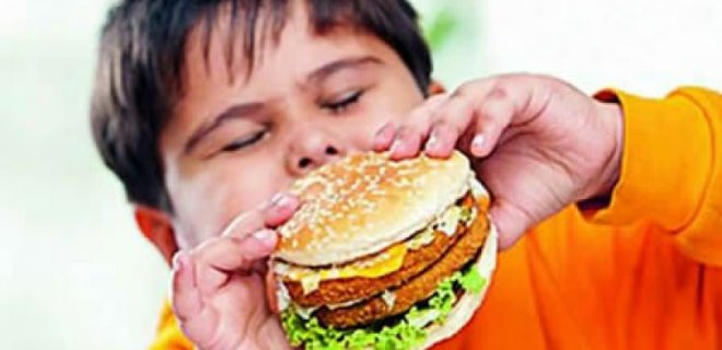 cocuklarda-obezite-riski.jpg