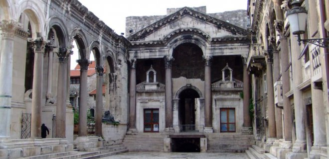 diocletianus-sarayi-001.jpg