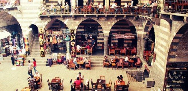 diyarbakirda-gezilip-gorulmesi-gereken-yerler-001.jpg