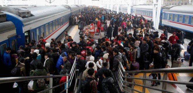 dolu-metroda-arkadan-surekli-ittirenler-002.jpg