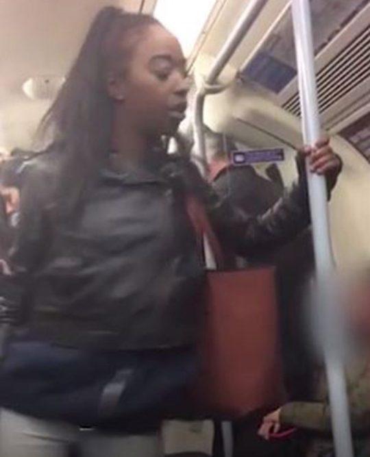 Eşcinsel adama saldıran sarhoş Kadın