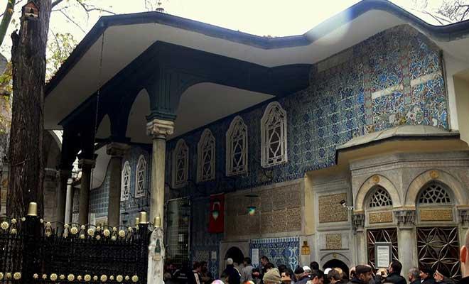 eyup-sultan-hazretleri-kimdir-.jpg