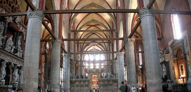 frari-santa-maria-glorisa-bazilikasi-002.jpg