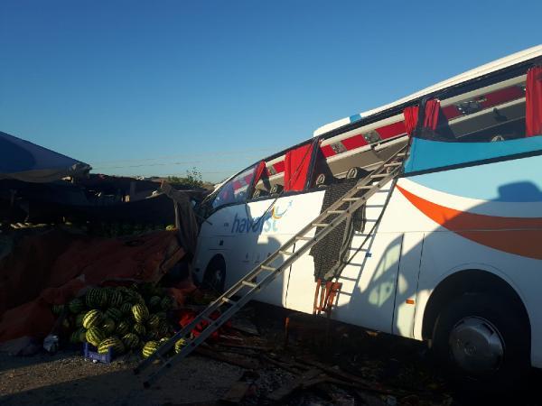 Havaist Otobüsü Kaza Yaptı