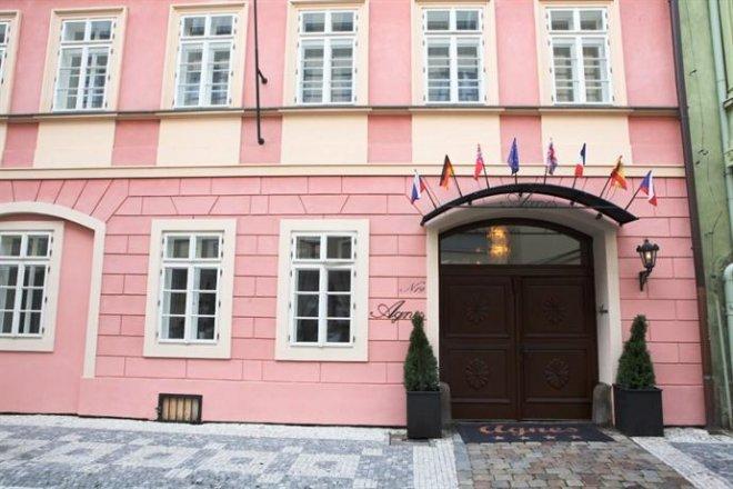 hotel-residence-agnes-001.jpg