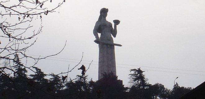 kartlis-deda-heykeli.jpg