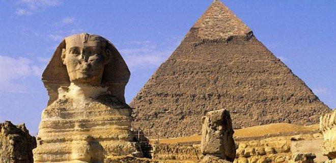 kisinin-adina-yapilan-piramitler.jpg