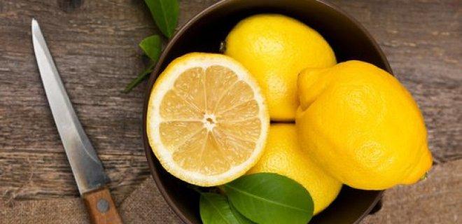 limon,-eksi-tadi-veya-bazen-sadece-kokusu-bile-mide-bulantisini-hafifleterek,-ferahlamanizi-saglar.jpg