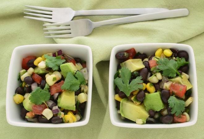 meksika-kara-fasulye-salatasi.jpg