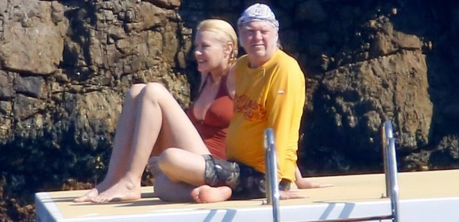neil-young-and-daryl-hannah.jpg