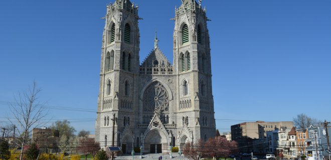 newark-new-jersey-kutsal-kalp-katedral-bazilikasi.jpg