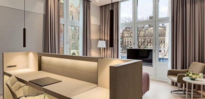 nh-grand-hotel-krasnapolsky.jpg