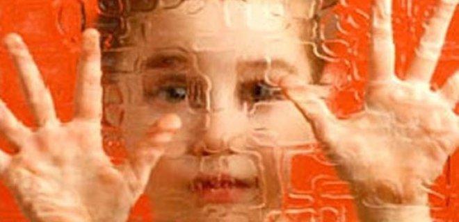 otizm-hakkinda-bilinmesi-gerekenler-002.jpg