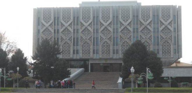 ozbekistan-devlet-tarihi-muzesi.jpg