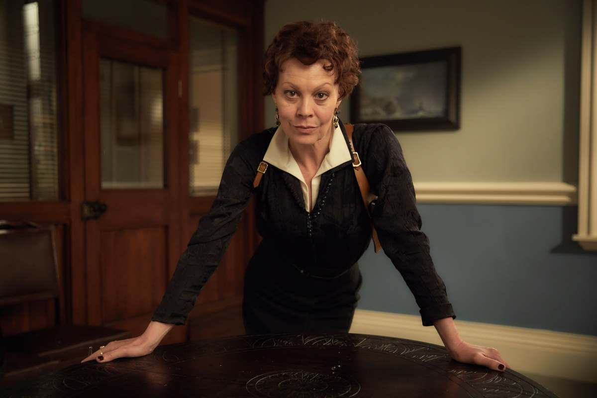 polly-gray---helen-mccrory.jpg