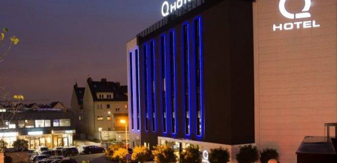 q-hotel-001.jpg