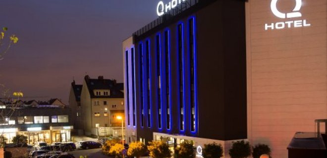 q-hotel.jpg