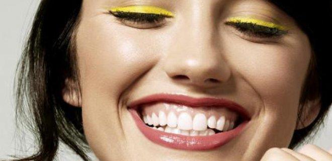 renkli-eyeliner-trendi-007.jpg