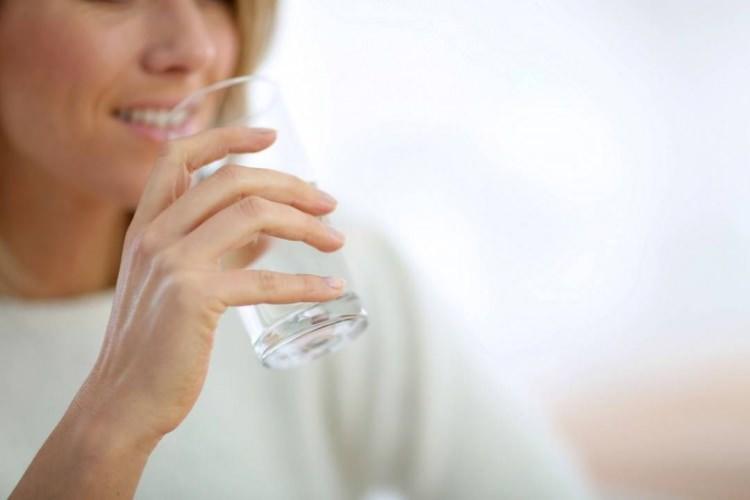 sıcak su içmek