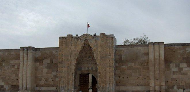 Tarihi Yerler-Sultan Hanı