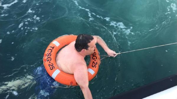 Tekne Bozuldu Denizde 12 Saat Kaldı