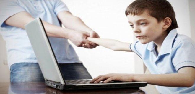 teknolojik aletlerin çocukların gelişimine olumsuz katkıları