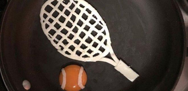 tenis-raketi-ve-topu-sahanda-yumurta.jpg