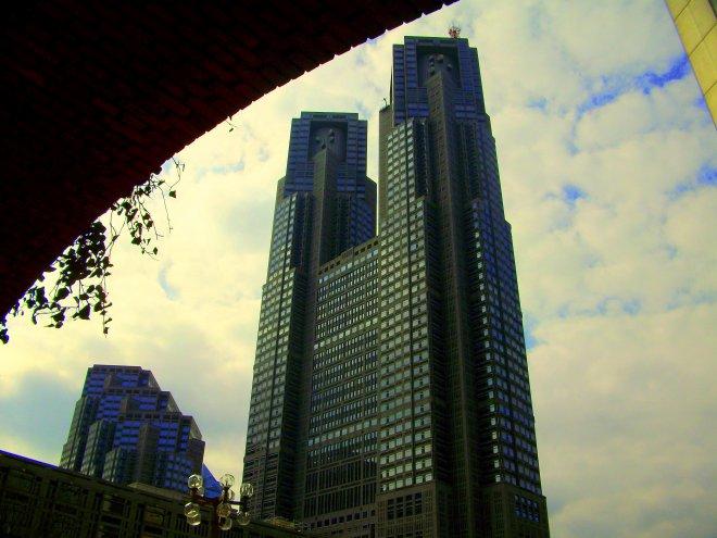 tokyo-metropolu-hukûmeti-binasi.jpg