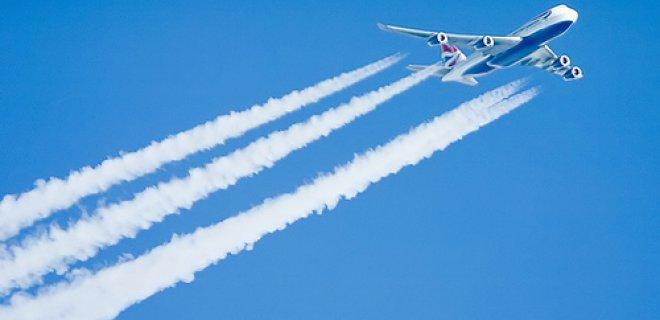 Uçaklar Gökyüzünde Neden İz Bırakır?