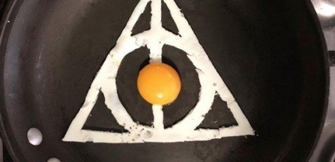 ucgen-sahanda-yumurta.jpg