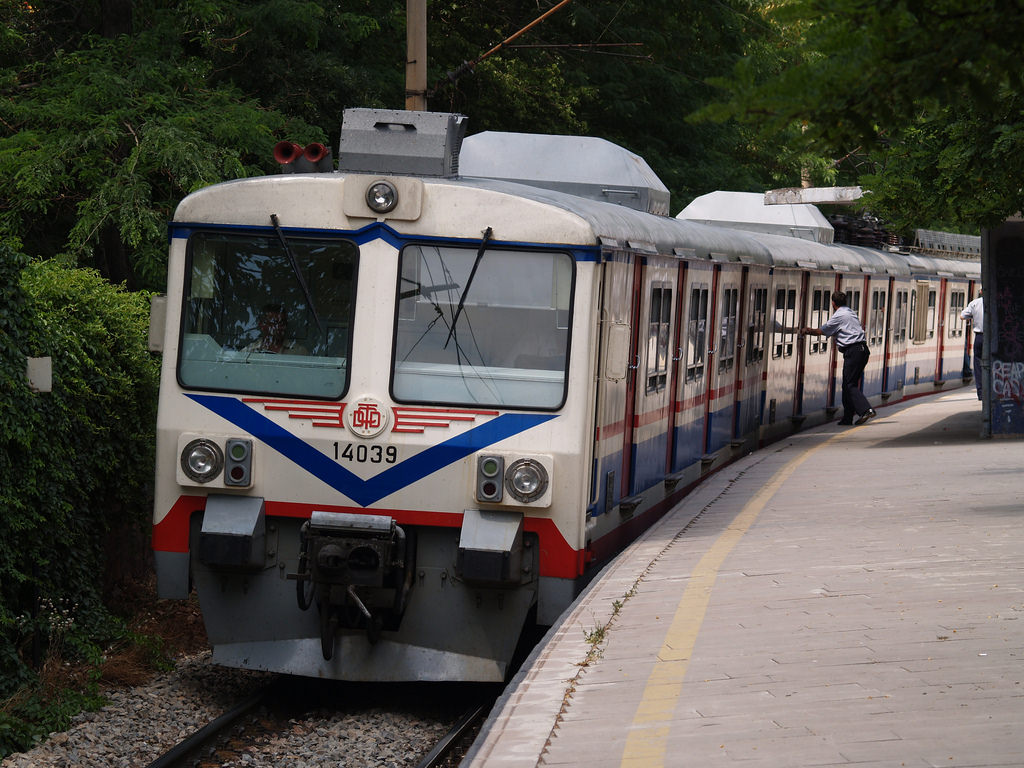 vagonlu-tren.jpg