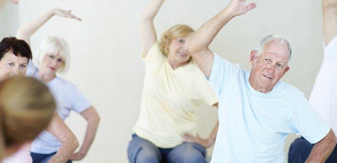 yaslilar-icin-yoga.jpg