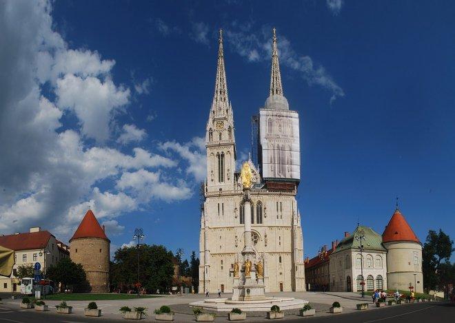 zagreb-katedrali-001.jpg